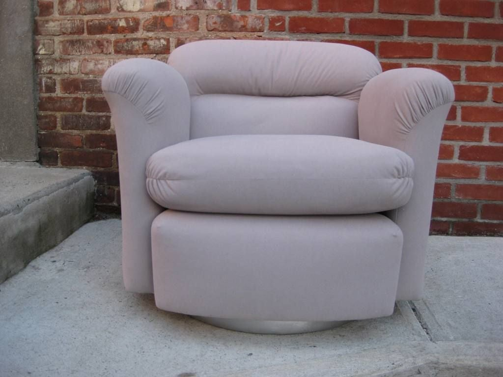 Petit Pair of Swivel Barrel Chairs For Sale at 1stdibs