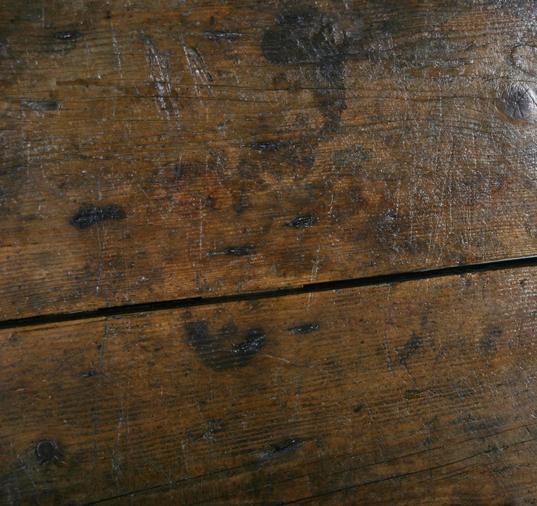 Sawbuck Table 9