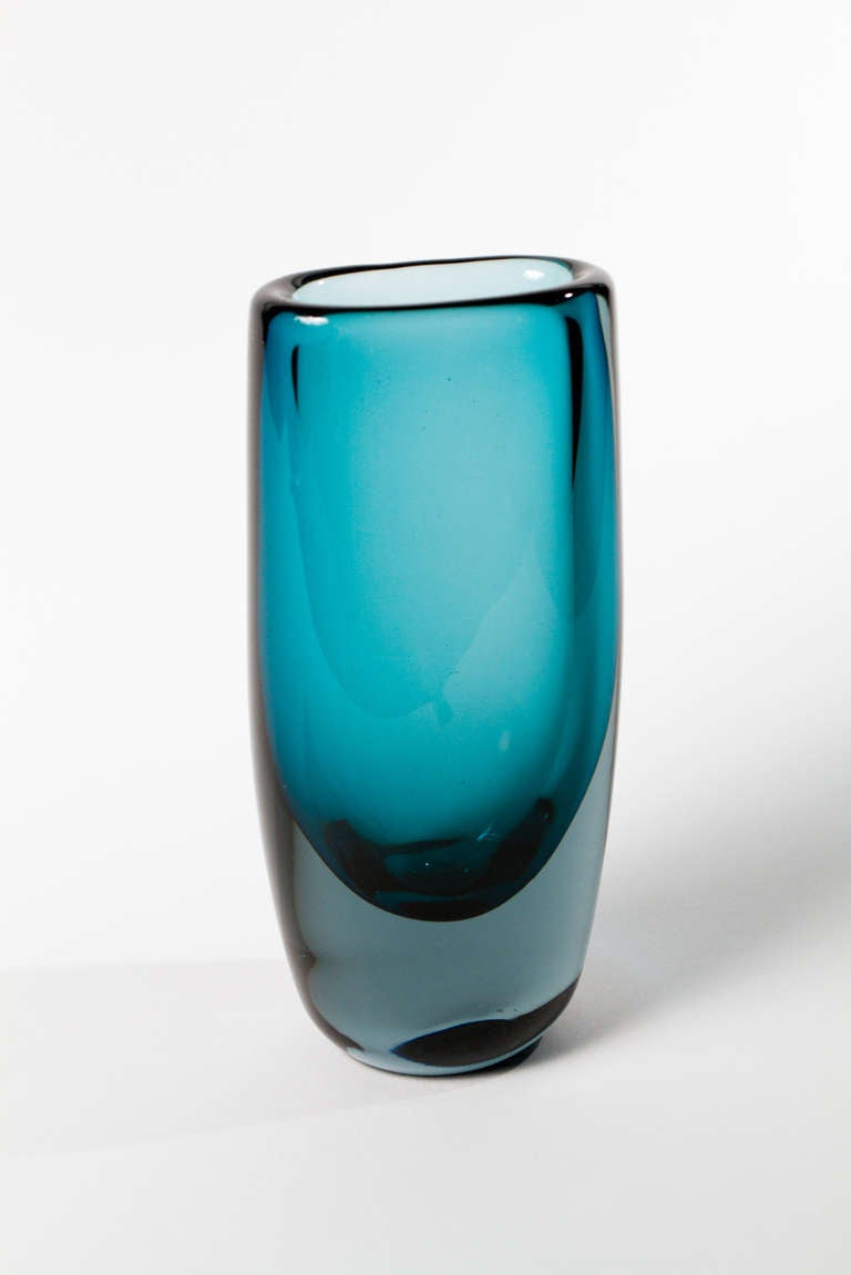 Vibrant Blue Glass Vase By Vickie Lindstrand For Sale At 1stdibs