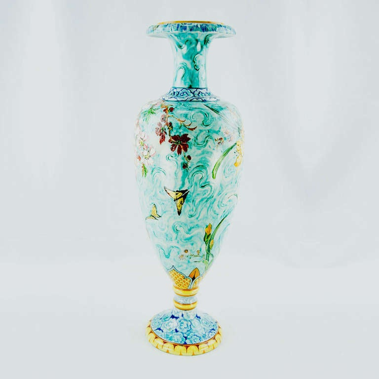 Large French Art Nouveau Majolica Porcelain Vase In Excellent Condition For Sale In Montreal, QC