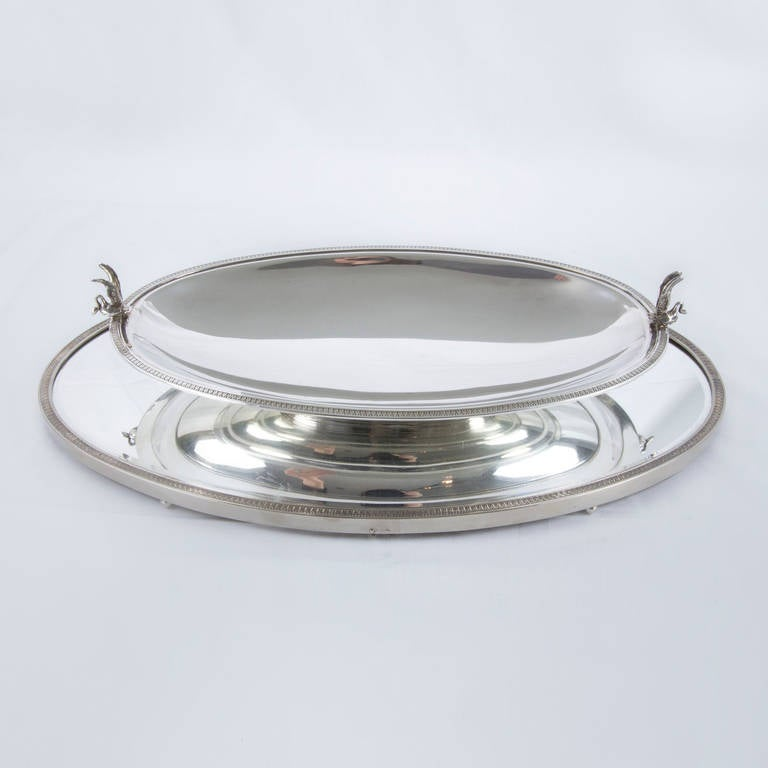 Edwardian Sterling Silver Mirrored Plateau and Bowl Center Piece In Excellent Condition For Sale In Montreal, QC