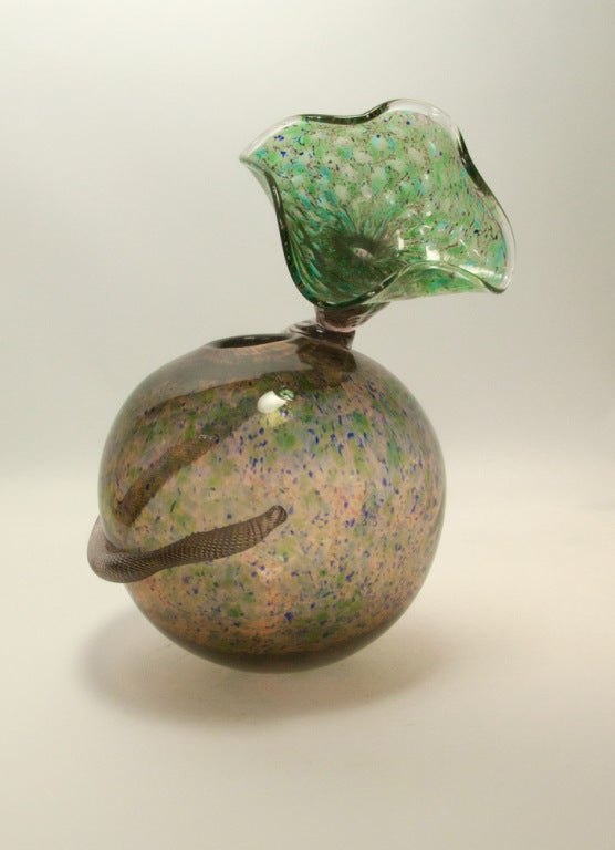 Exquisite and rare handblown glass vase depicting a stylized tulip; etch signed on base: 'Richard Price 11.5