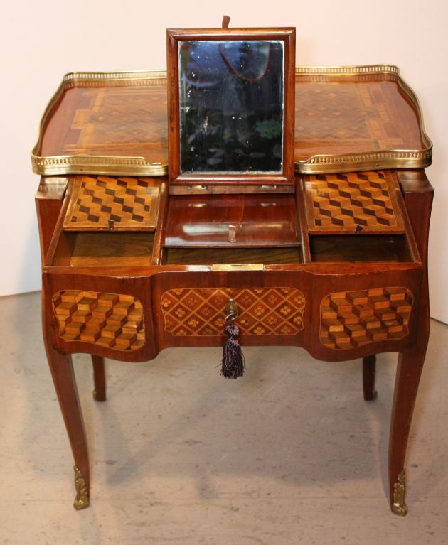 Louis XV Mahogany and Marquetry Dressing Table 4