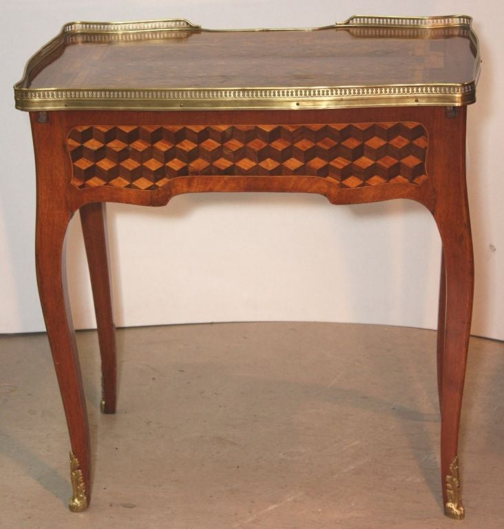 Louis XV Mahogany and Marquetry Dressing Table 5