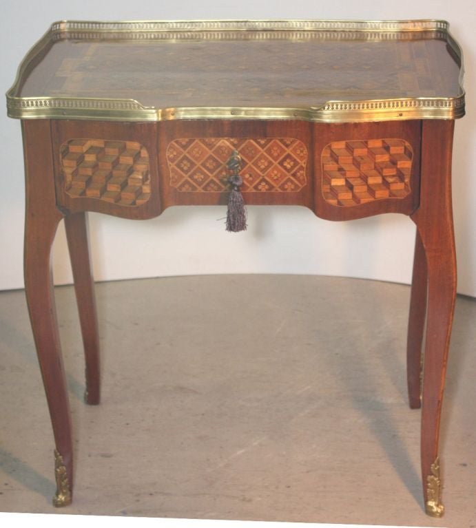 Louis XV Mahogany and Marquetry Dressing Table 2