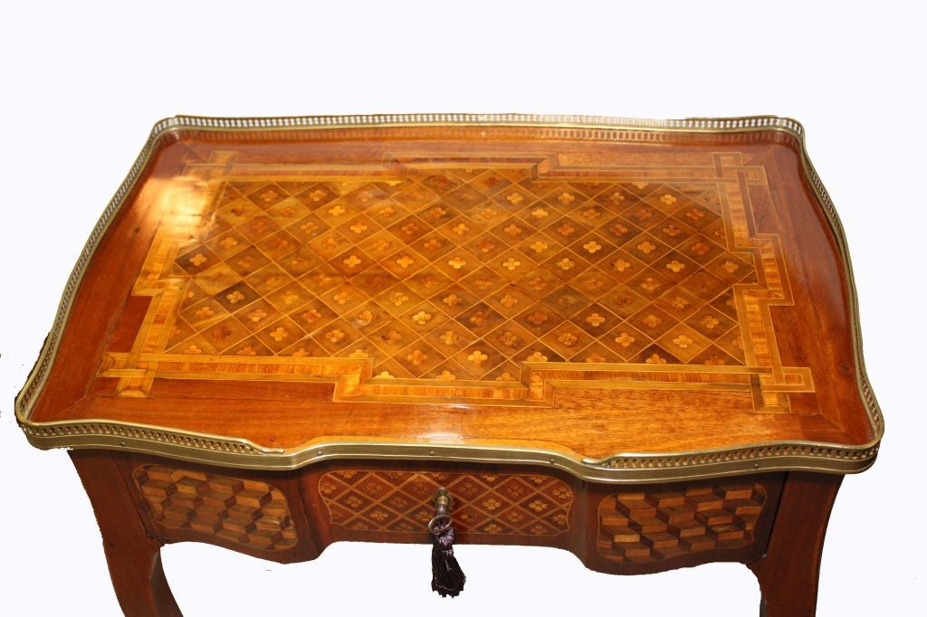 Louis XV Mahogany and Marquetry Dressing Table 6