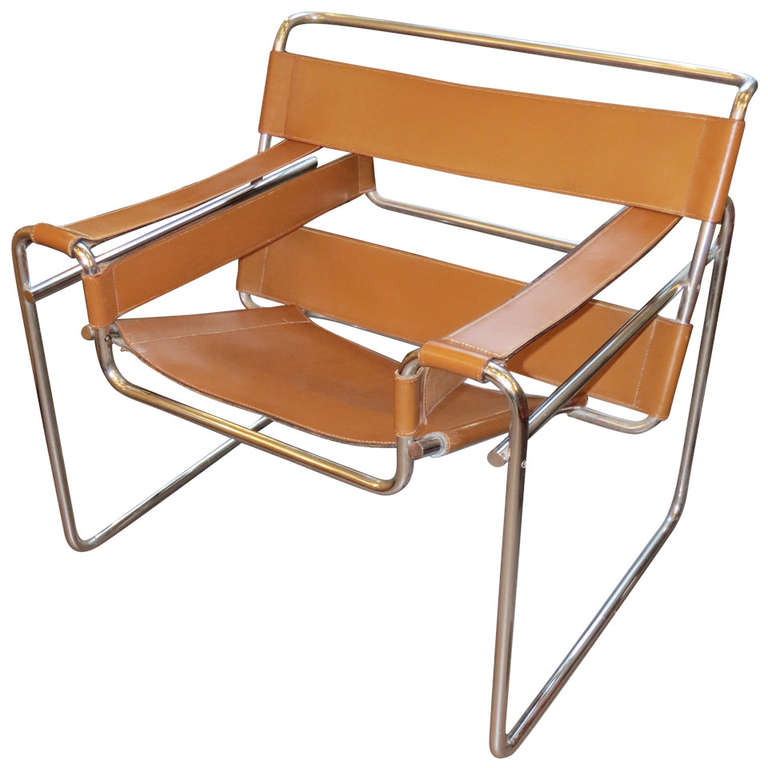 Charmant 1967 Wassily Chair In Original Tan Leather For Sale