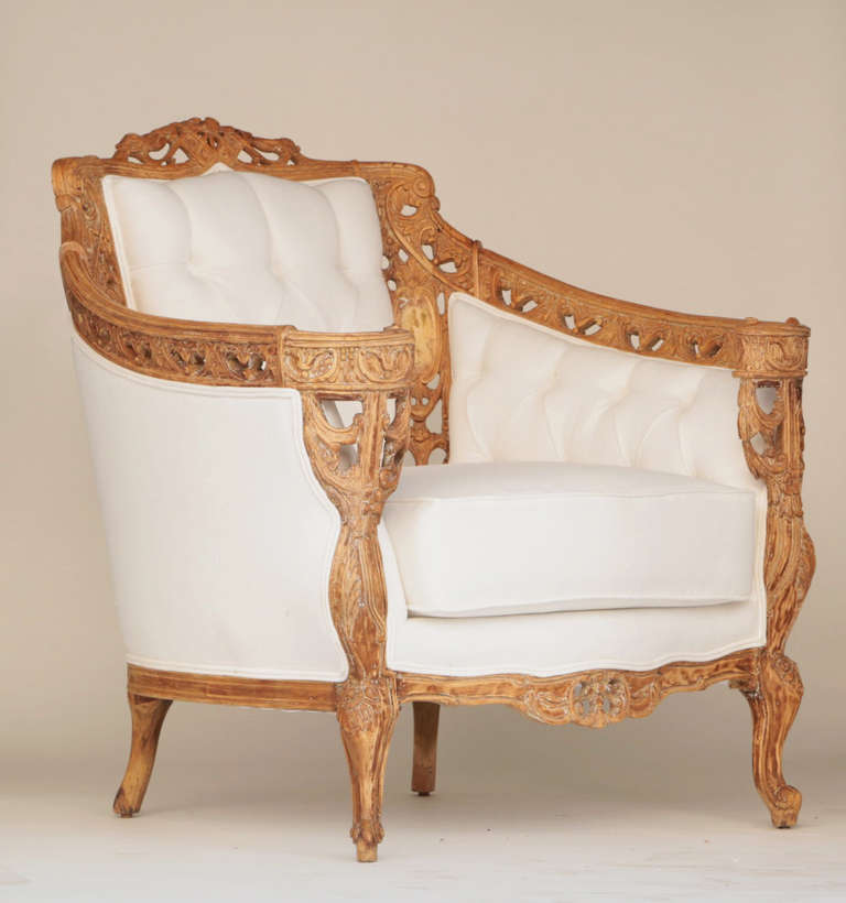 Unique Pair Of Antique Barrel Chairs At 1stdibs