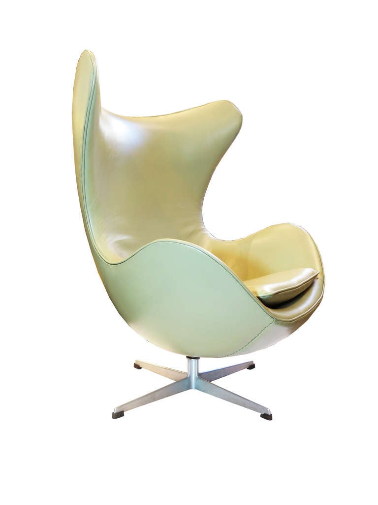 "Mid-20th Century ""Egg"" Chair by Arne Jacobsen For Sale"