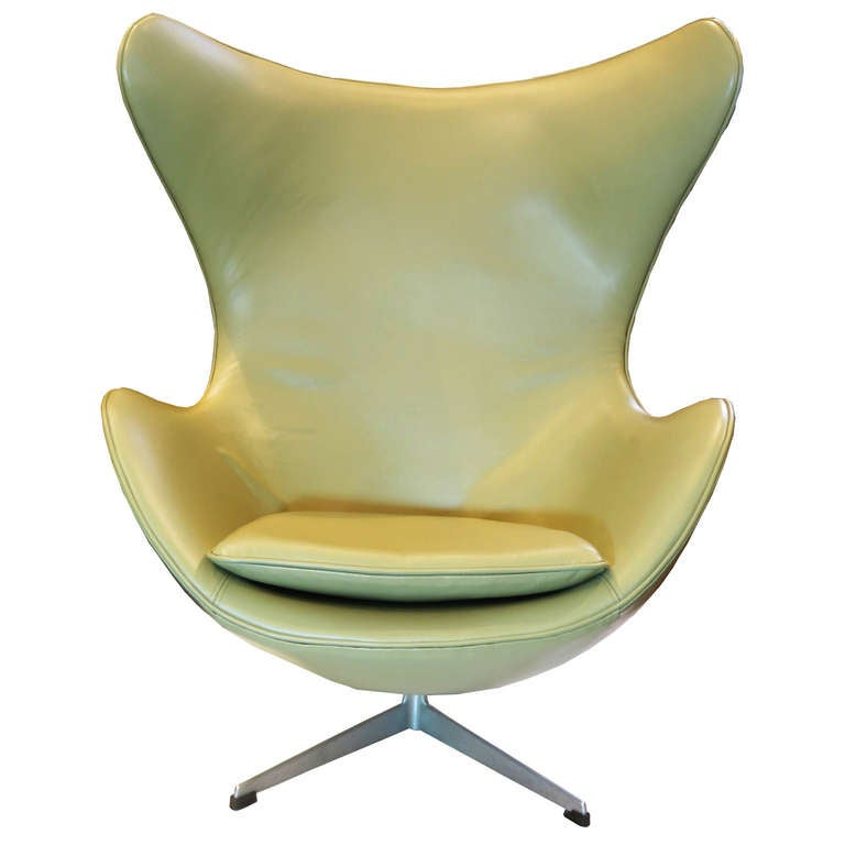 """Egg"" Chair by Arne Jacobsen For Sale"