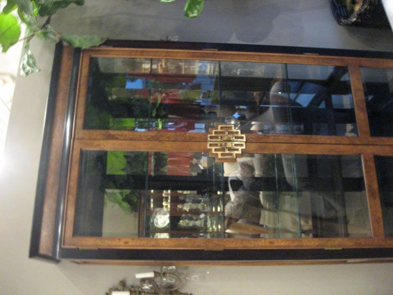 Asian Style Vitrine In Excellent Condition For Sale In Los Angeles, CA