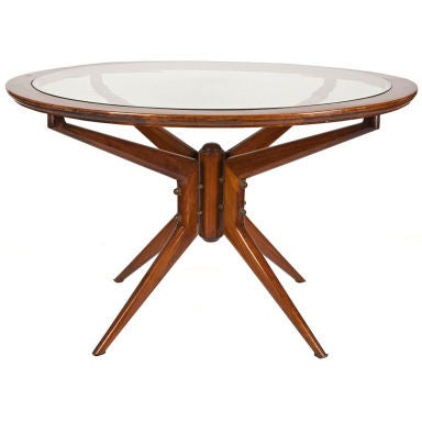 Fine quality circular 1940 39 s center table at 1stdibs for Dining room tables quality