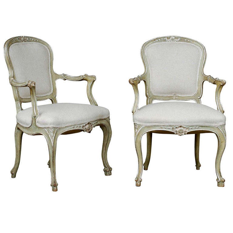 Exquisite Pair of Italian 1920s Chairs with Traces of Silver Gilt 1