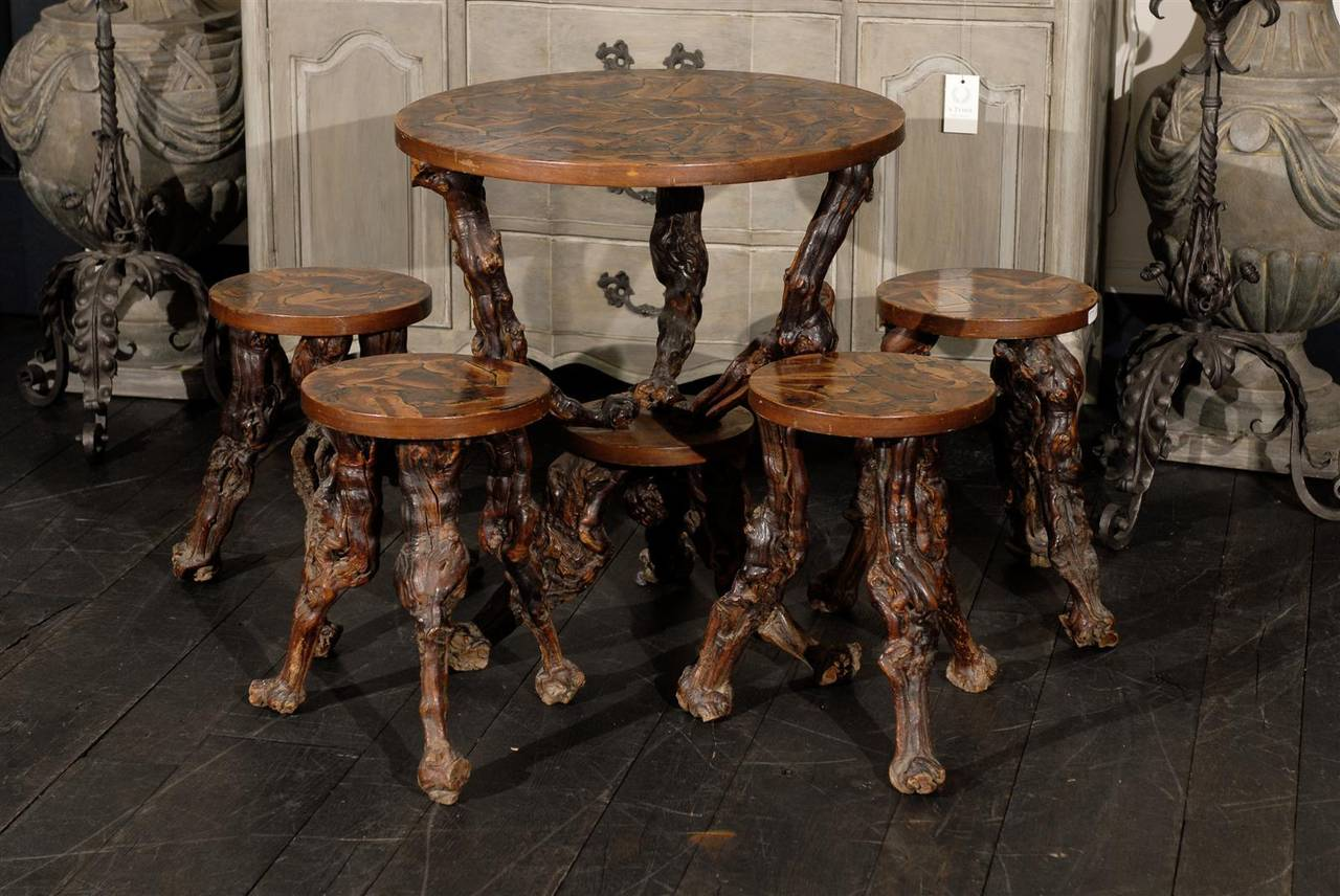 Merveilleux This Whimsical Set Made Of A Round Gueridon Table With Its Four  Accompanying Stools Has A