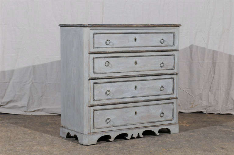 19th Century Swedish Karl Johan Four-Drawer Painted Wood Chest For Sale 6