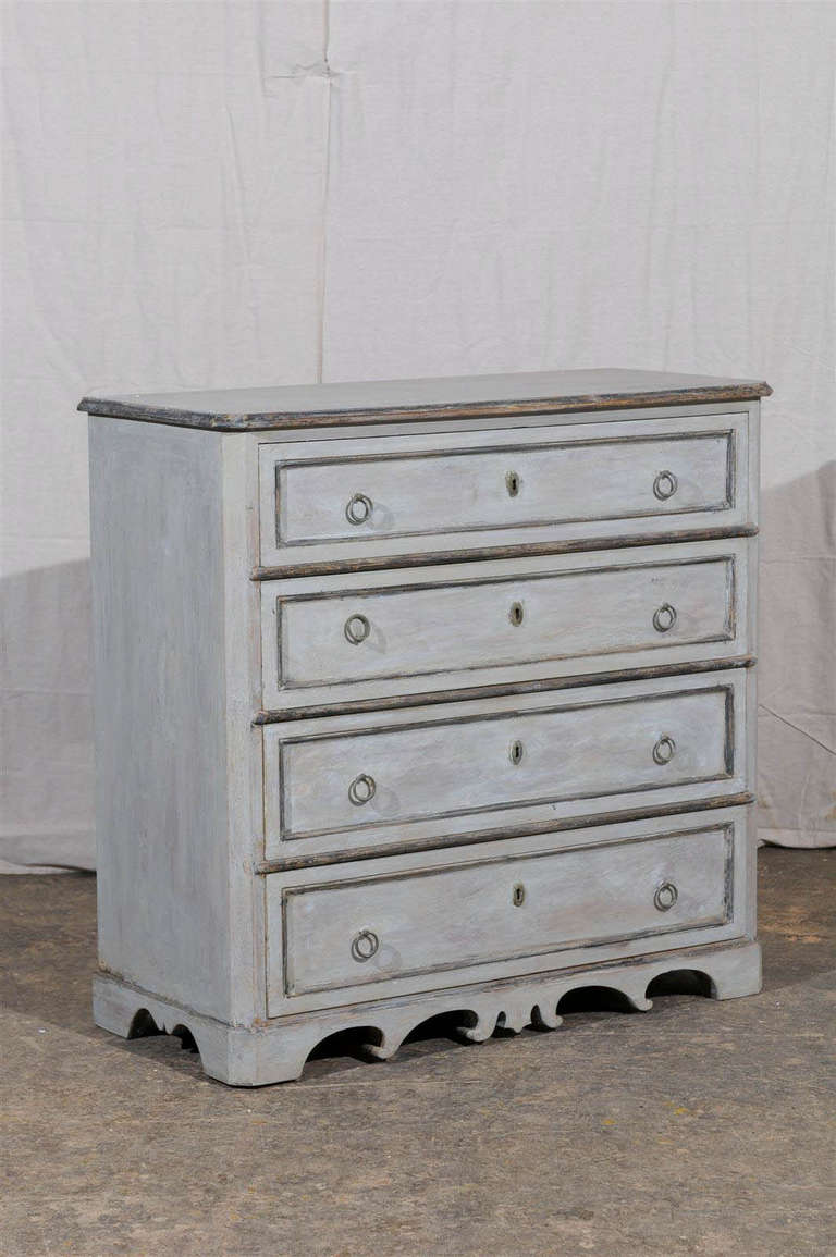 19th Century Swedish Karl Johan Four-Drawer Painted Wood Chest In Good Condition For Sale In Atlanta, GA