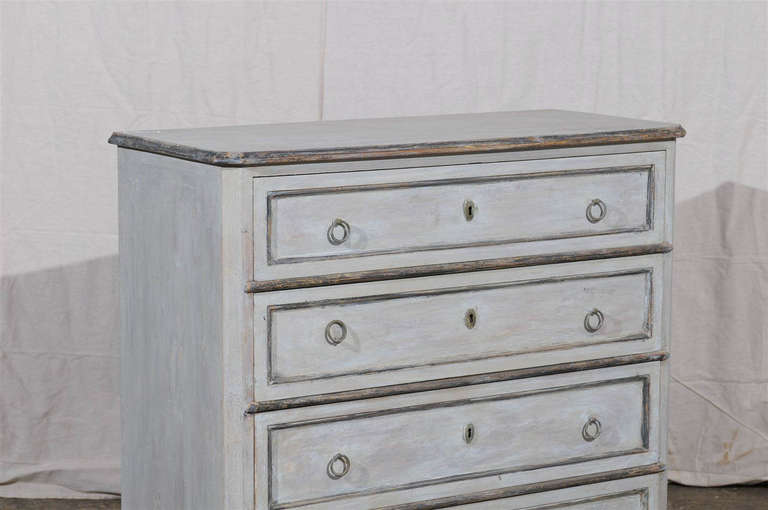 19th Century Swedish Karl Johan Four-Drawer Painted Wood Chest For Sale 1
