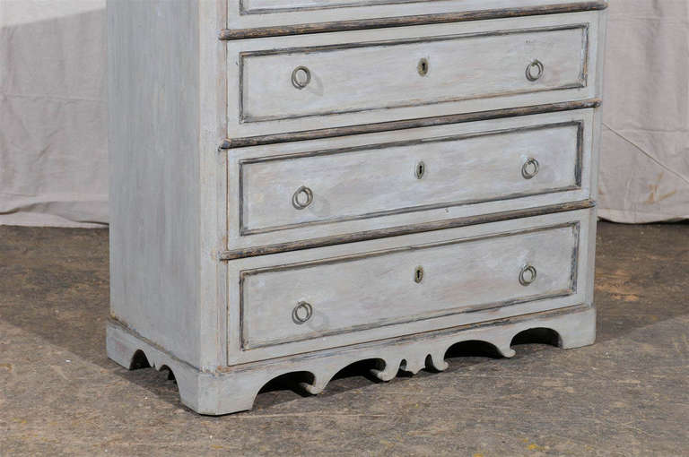 19th Century Swedish Karl Johan Four-Drawer Painted Wood Chest For Sale 2