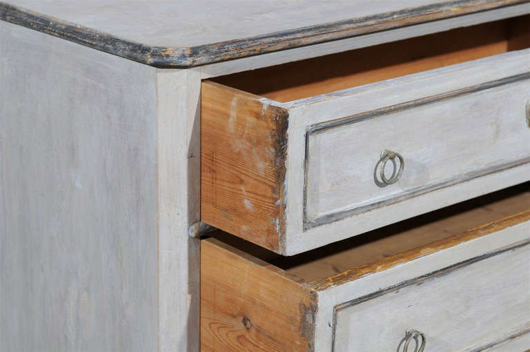 19th Century Swedish Karl Johan Four-Drawer Painted Wood Chest For Sale 4
