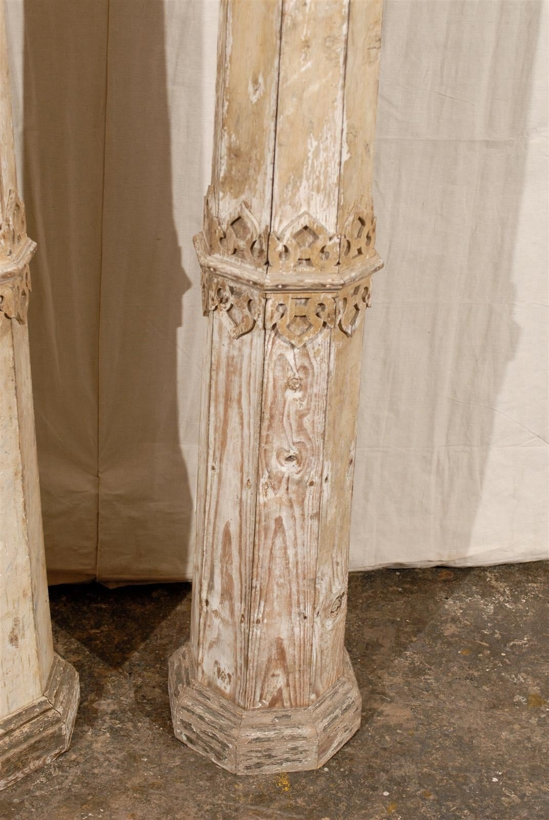 A Pair of 19th Century European Slender Wooden Columns with Delicate Decor 3