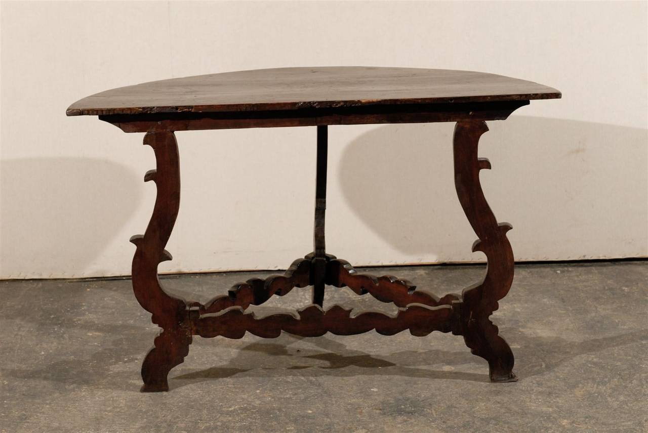 Exquisite Italian 18th Century Demilune Table For Sale 1