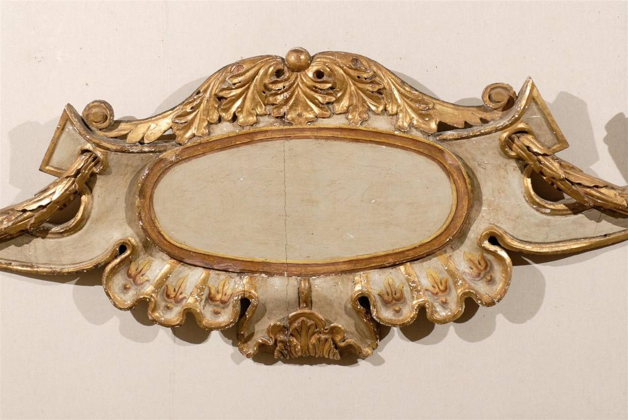 Gilt Italian 18th Century Wall Decoration with Foliage Motifs and Scrolls, 5+ FT Long For Sale