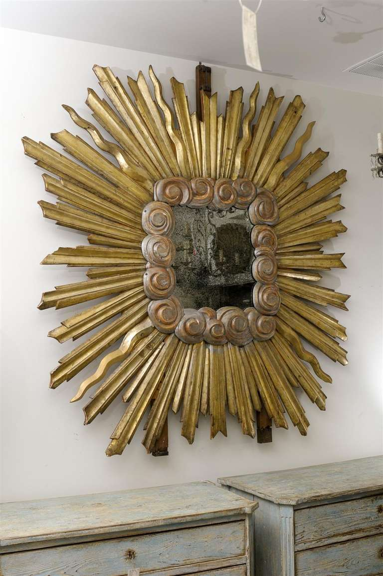 Exquisite Large Size Italian Gilt Sunburst Mirror from the Early 19th Century For Sale 6