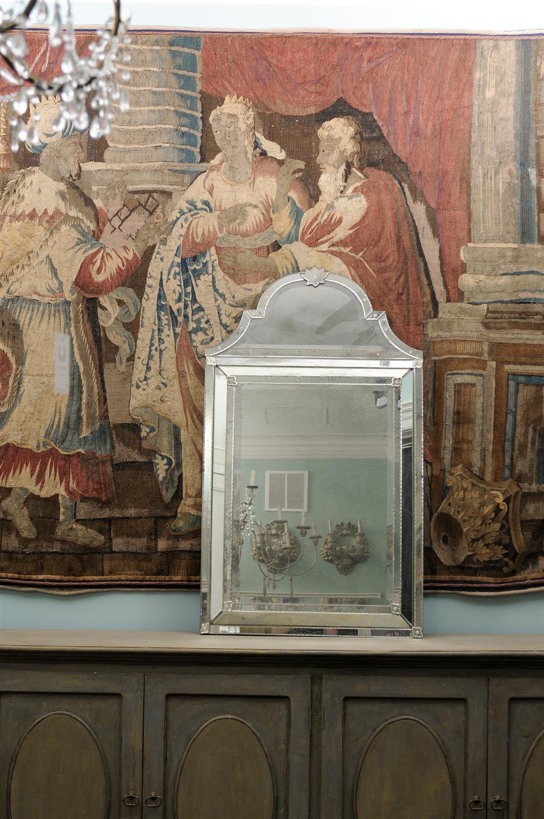 Caroline Venetian Style Mirror In Excellent Condition For Sale In Atlanta, GA