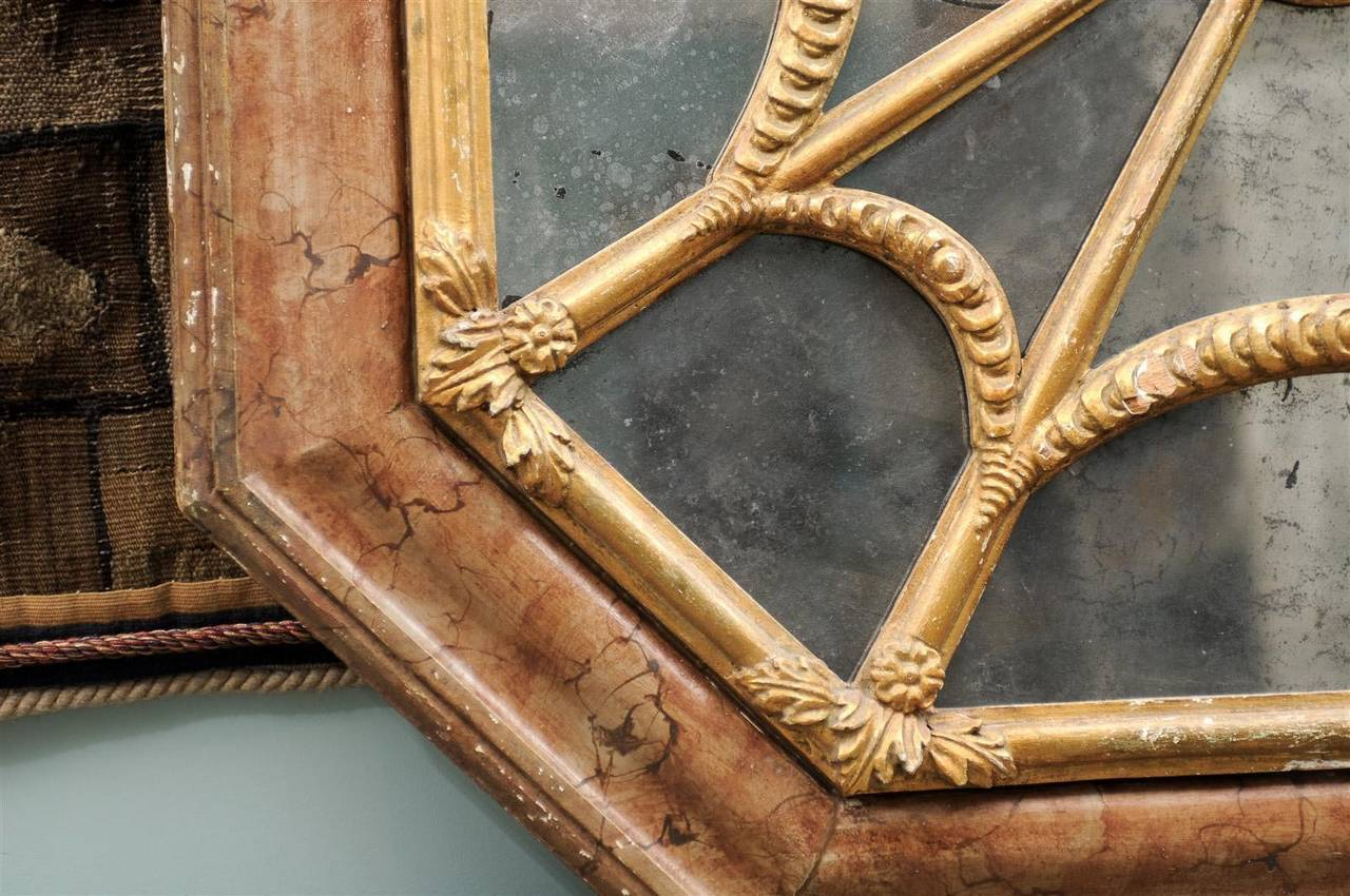 Italian 19th Century Faux Marble Octagonal Mirror For Sale 2