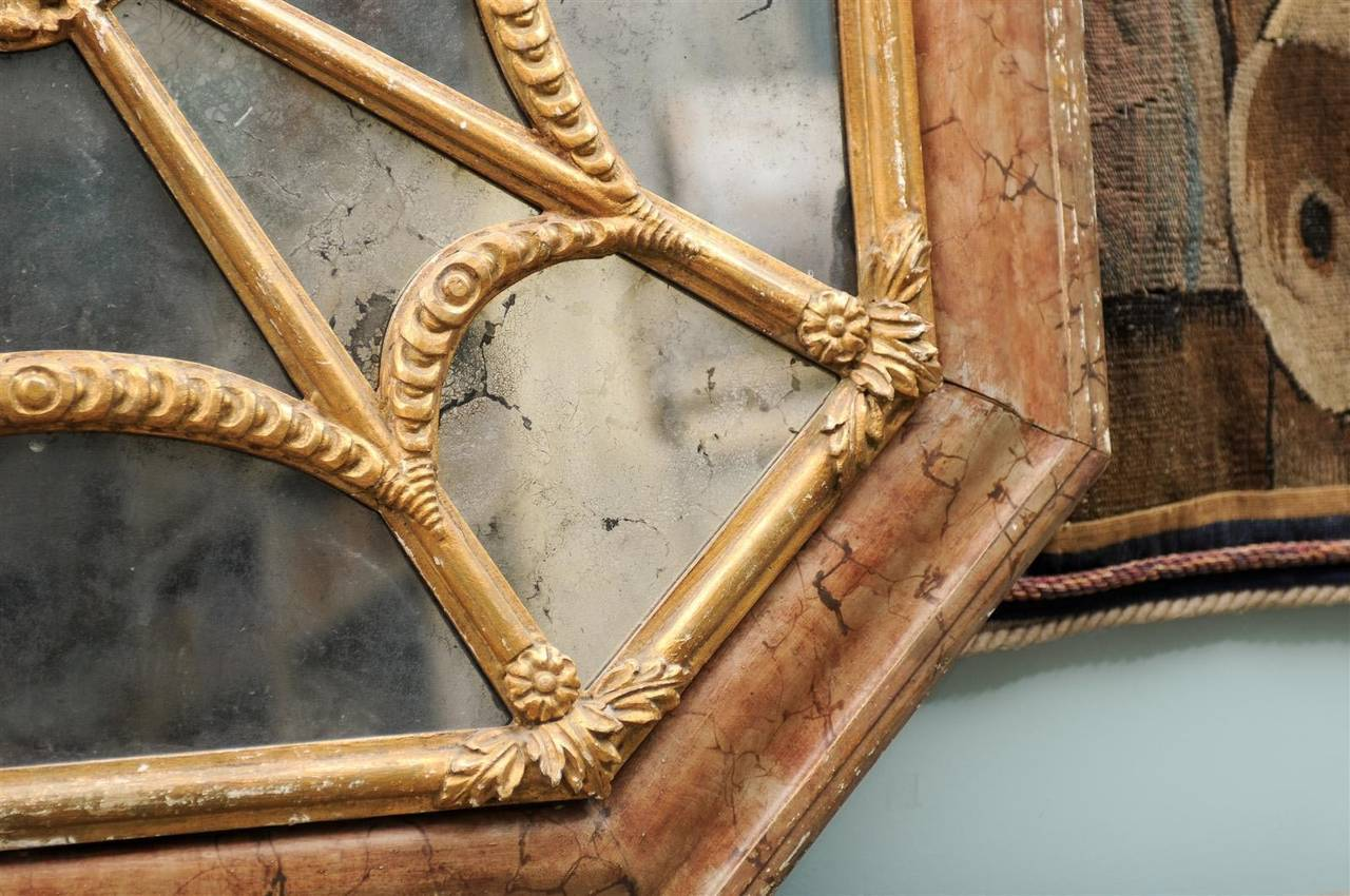Italian 19th Century Faux Marble Octagonal Mirror For Sale 3