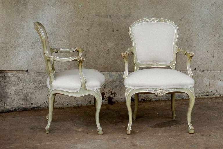 Exquisite Pair of Italian 1920s Chairs with Traces of Silver Gilt 3