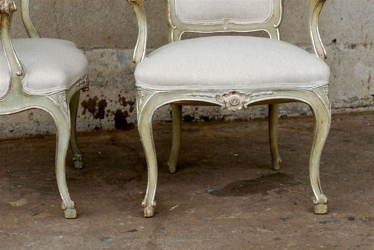 Exquisite Pair of Italian 1920s Chairs with Traces of Silver Gilt 4