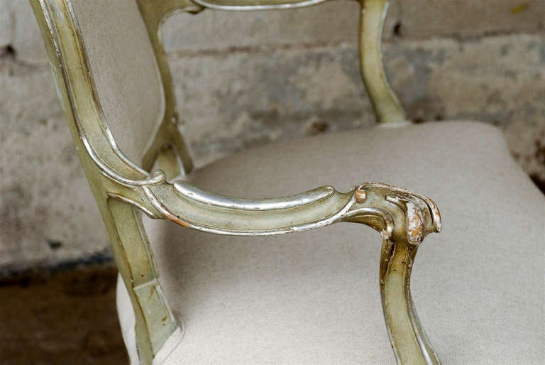 Exquisite Pair of Italian 1920s Chairs with Traces of Silver Gilt 5