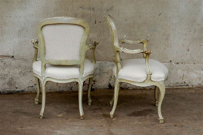 Exquisite Pair of Italian 1920s Chairs with Traces of Silver Gilt 6
