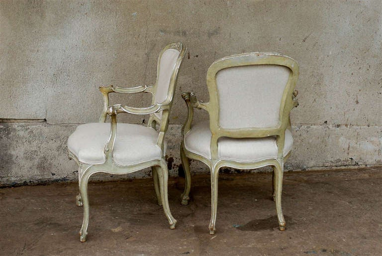 Exquisite Pair of Italian 1920s Chairs with Traces of Silver Gilt 7