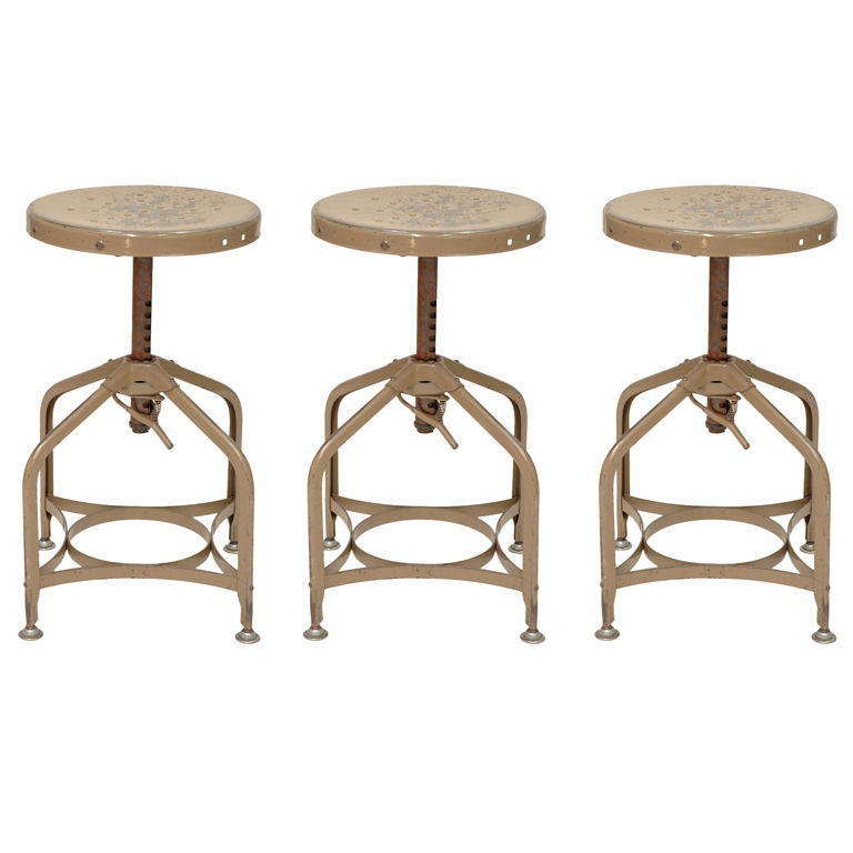 A Set Of 3 Toledo Stools With The Appollo Base At 1stdibs