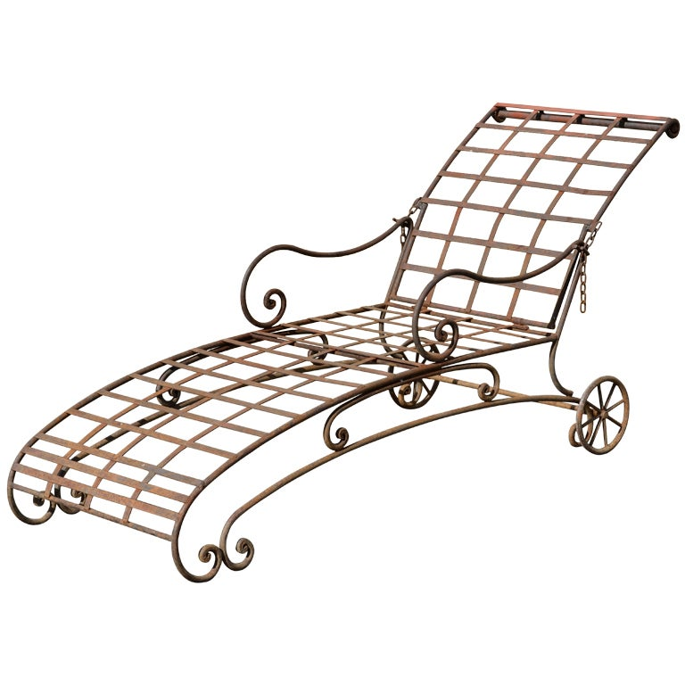 Wrought iron chaise lounge at 1stdibs for Black wrought iron chaise lounge