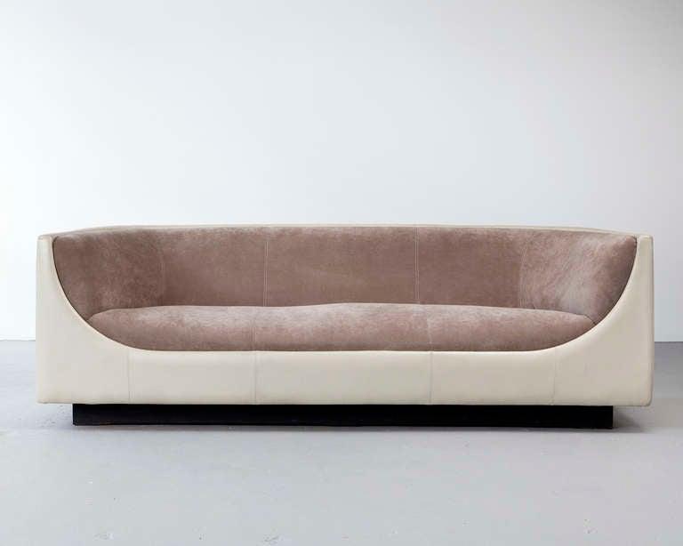 Sofa by Jorge Zalszupin 3