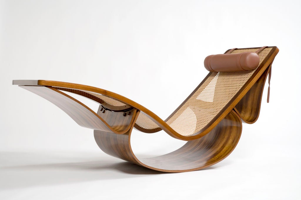 "Rare ""Rio"" Chaise Longue by Oscar Niemeyer In Excellent Condition For Sale In New York, NY"