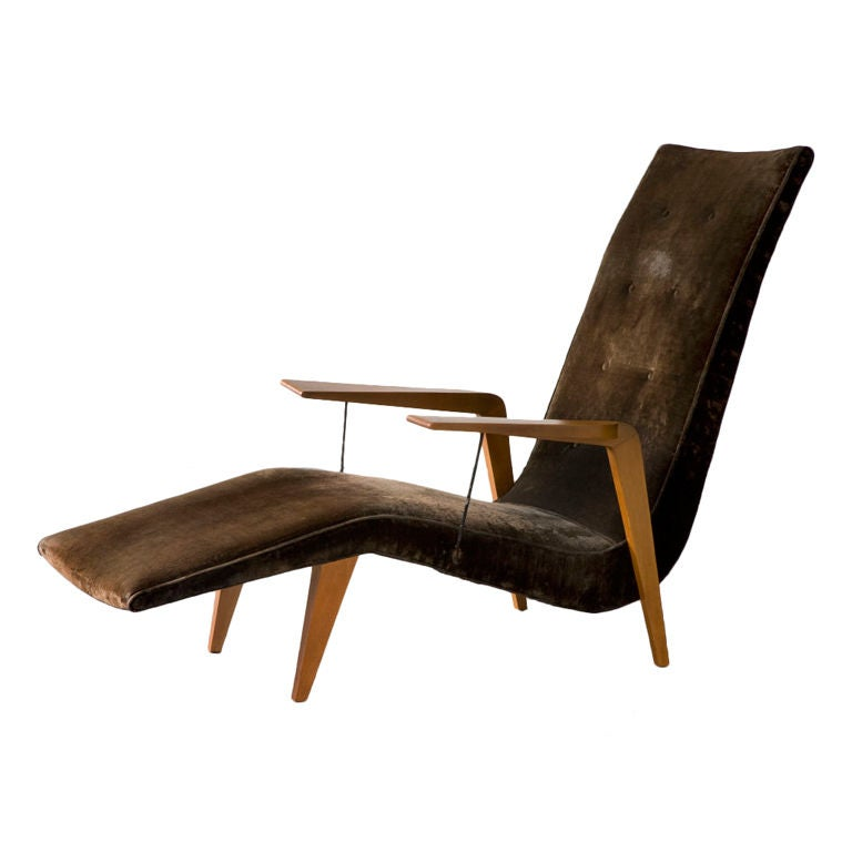 Chaise lounge in caviona wood with upholstered seat. Designed by Joaquim Tenreiro for a private commission in the Flamengo neighborhood of Rio de Janeiro, Brazil, 1950s.