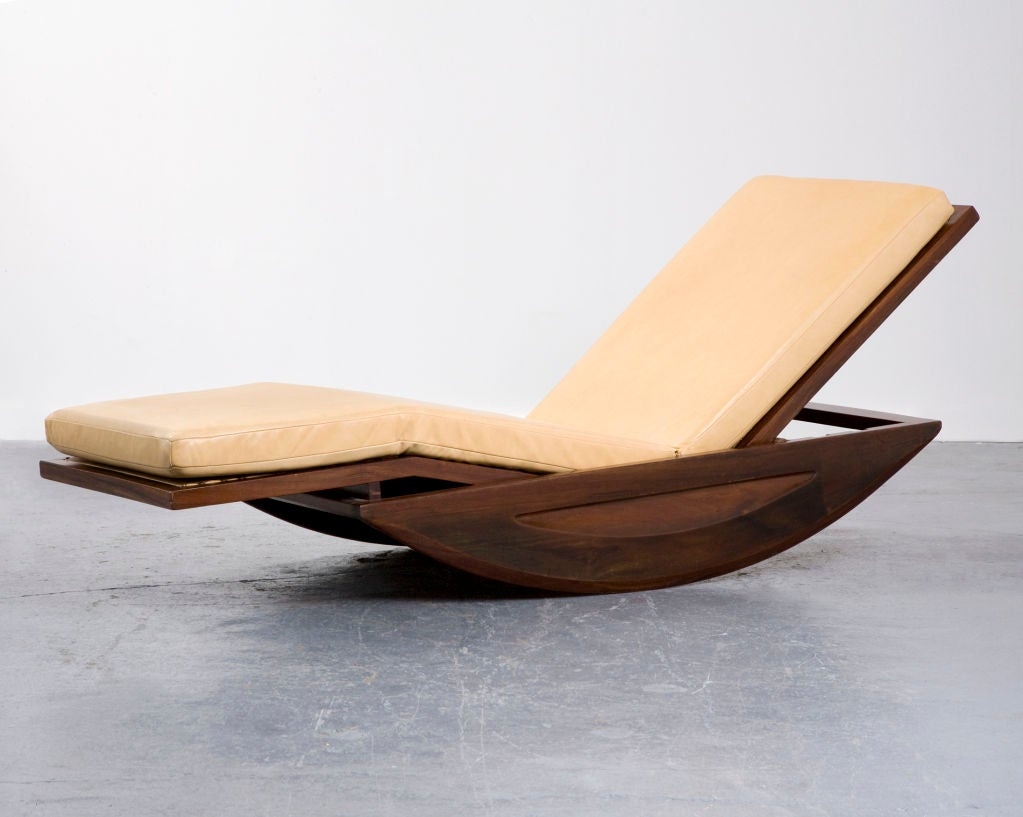 Chaise longue rocking chair by joaquim tenreiro brazil for Chaise x rocker