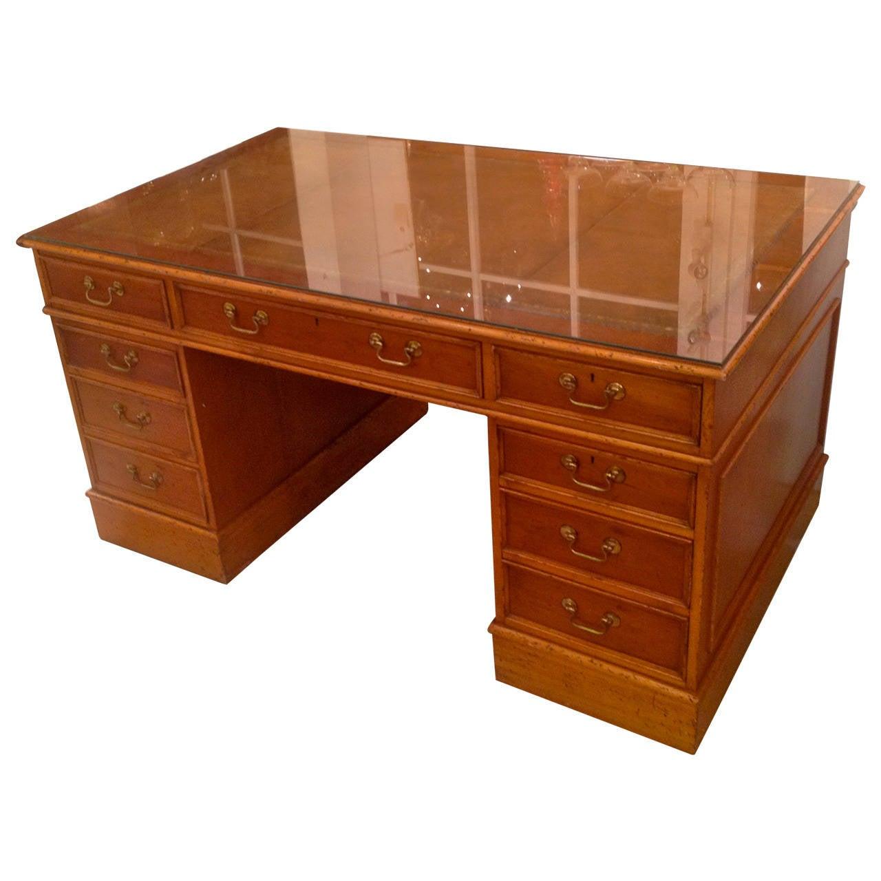 19th Century English Mahogany Pedestal Desk