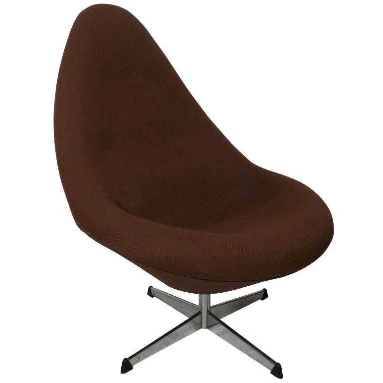 Egg shape swivel chair by overman at 1stdibs - Second hand egg chair ...
