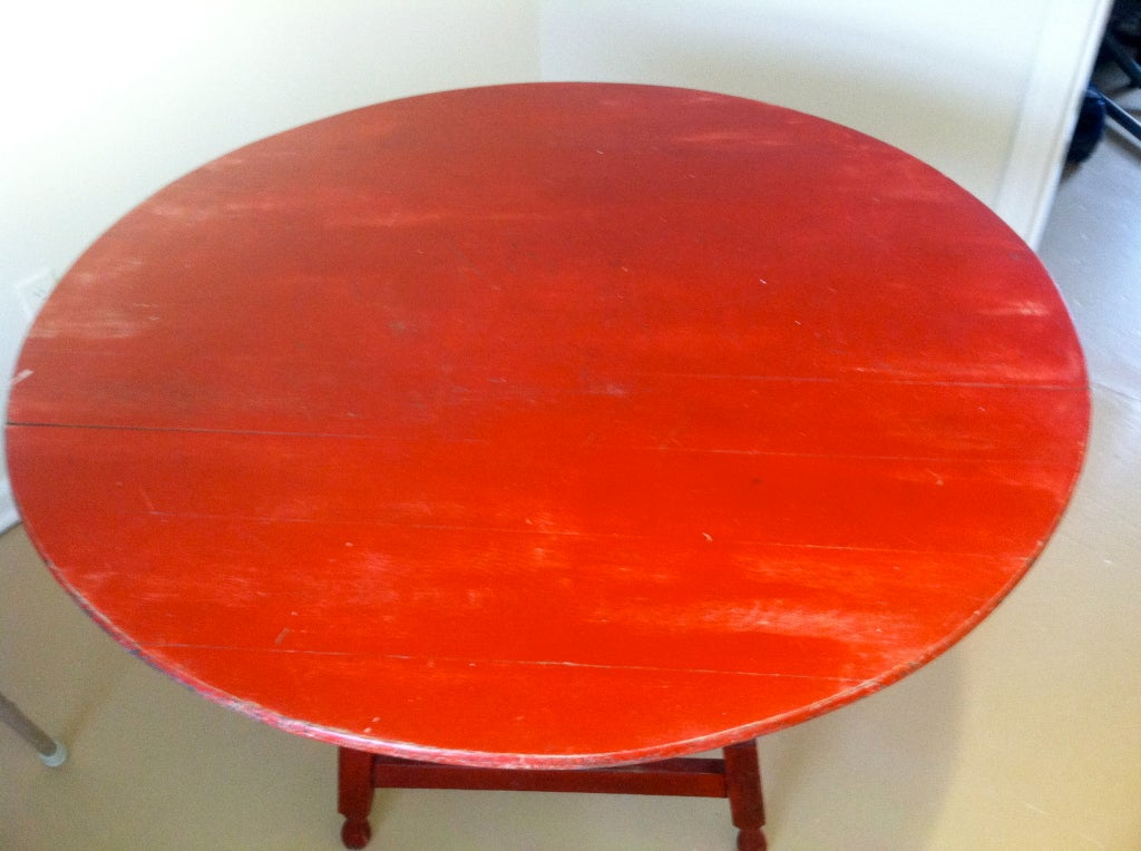 American Red Round Painted Dining Table At 1stdibs