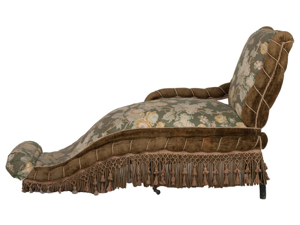 Antique napoleon iii chaise lounge at 1stdibs for Antique wooden chaise lounge