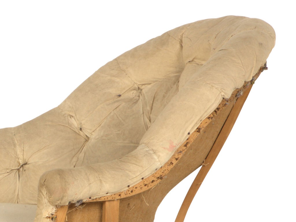 Antique unupholstered chaise longue at 1stdibs for 1 zitsbank met chaise longue