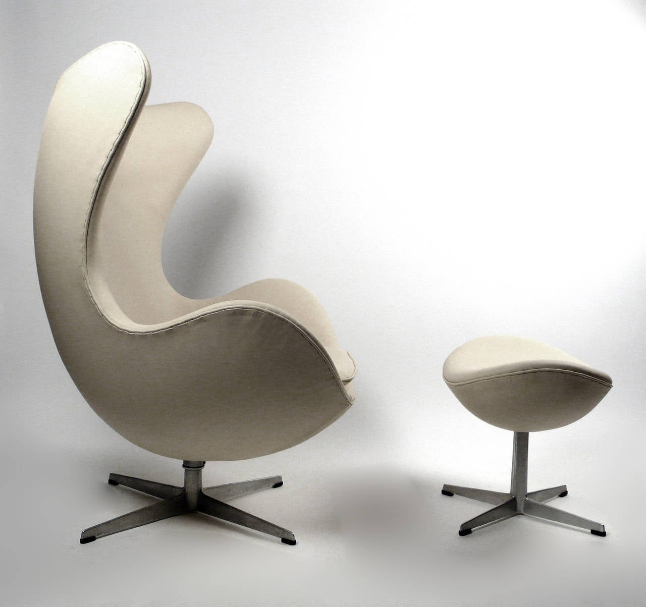 early production leather egg chair with matching ottoman. Black Bedroom Furniture Sets. Home Design Ideas