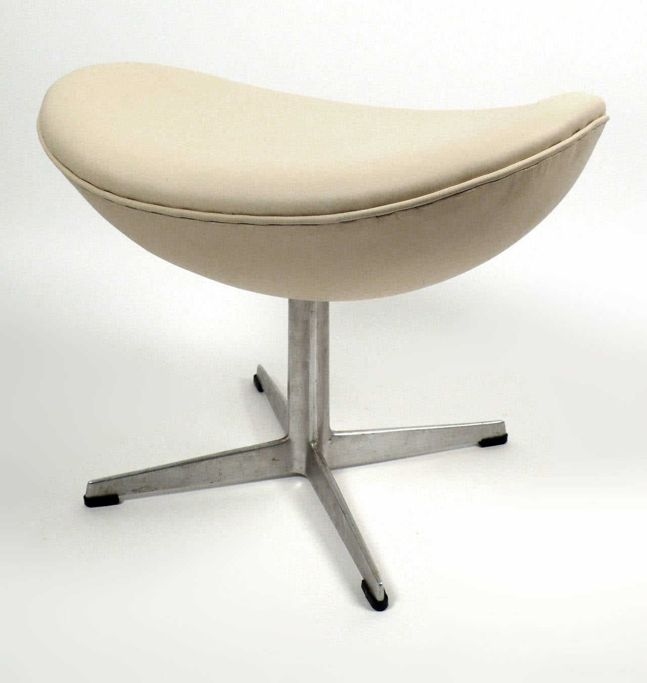Early Production Leather Egg Chair With Matching Ottoman By Arne Jacobsen At