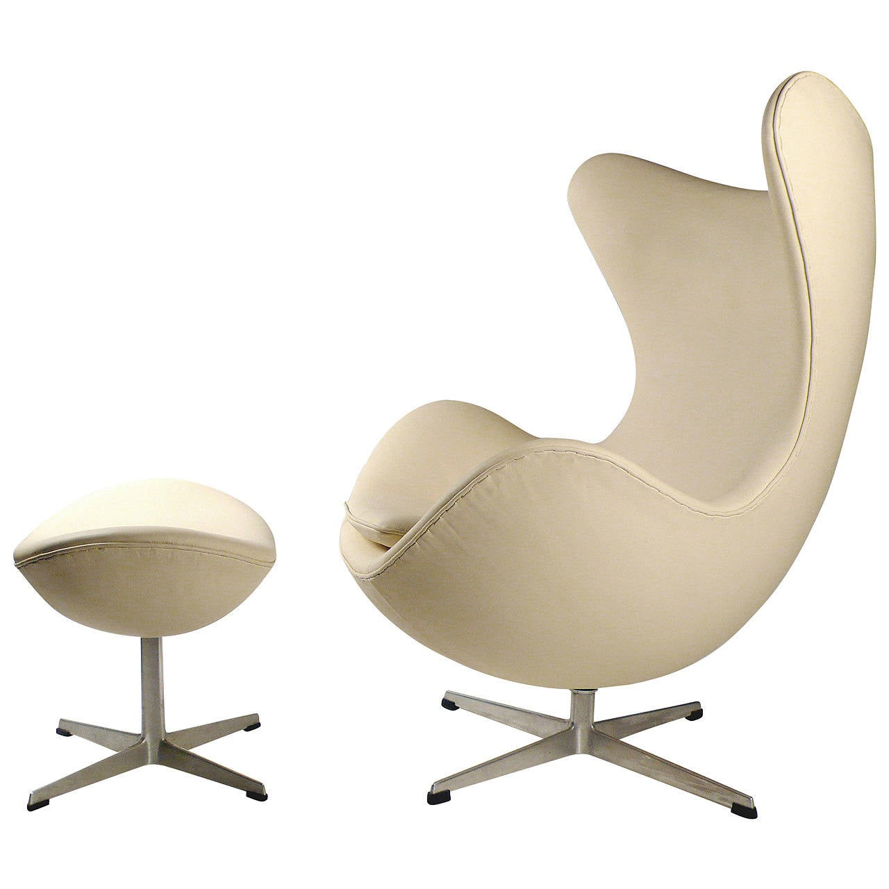 Early Production Leather Egg Chair With Ottoman By Arne Jacobsen At 1stdibs