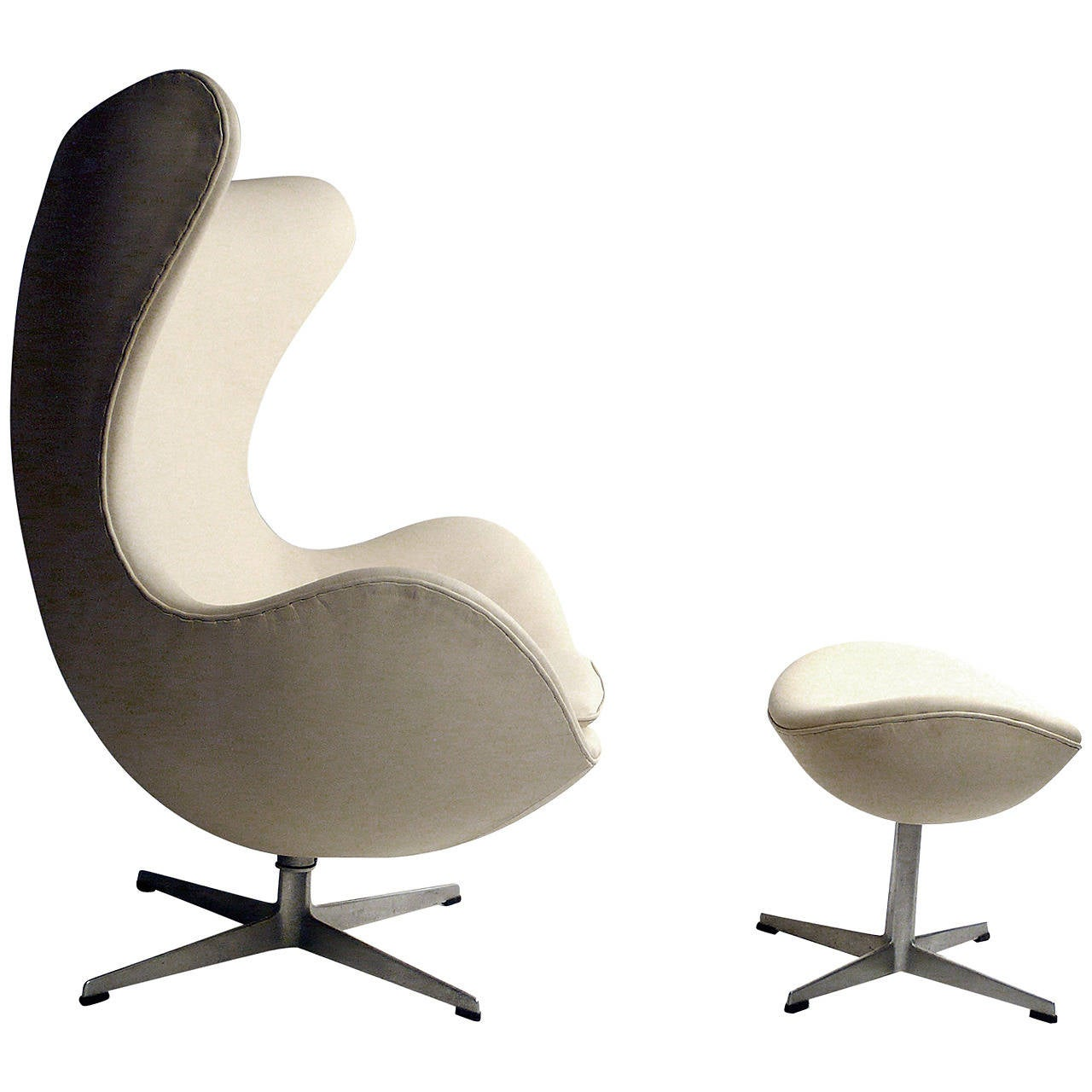 early production leather egg chair with matching ottoman by arne jacobsen at 1stdibs